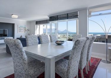 Jak wybrać stół do jadalni?