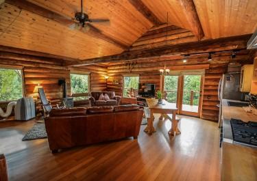 Salon w stylu rustykalnym – jak urządzić?