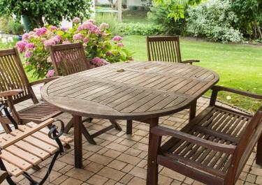 Świeże powietrze i relaks – urządzamy ogród