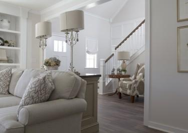 Jak zaplanować praktyczne oświetlenie salonu?