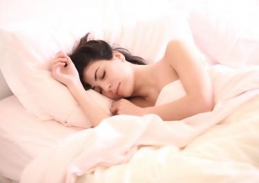 Jak porządnie się wyspać - czyli sztuka kupowania odpowiedniego łóżka