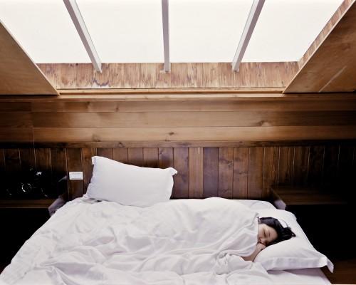 Zdrowy Sen To Podstawa Jak Wybrać Wygodne łóżko Do Sypialni