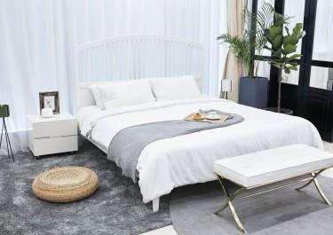 Łóżko z materacem w zestawie – czy warto?