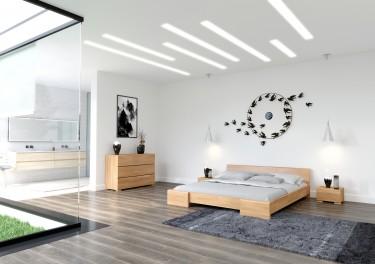 Meble do sypialni w naturalnym odcieniu drewna bukowego