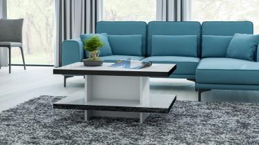 Biało-czarna ława w wysokim połysku z turkusową kanapą w przeszklonym salonie