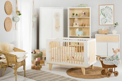 Little Sky - białe meble do pokoju dziecka ze wstawkami sosnowymi Lydia
