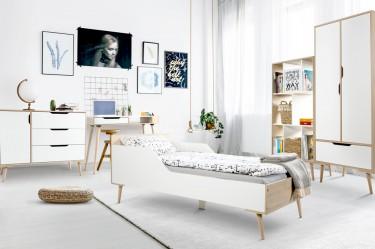 Pokój młodzieżowy w stylu skandynawskim meble na wysokich nóżkach białe