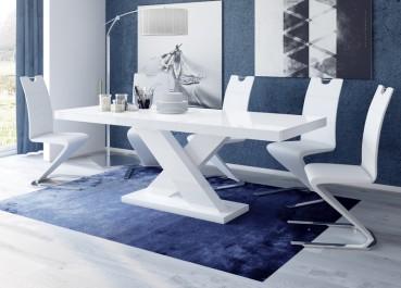 Zestaw białych mebli z rozkładanym stołem w wysokim połysku w jadalni na tle niebieskich ścian i dywanu