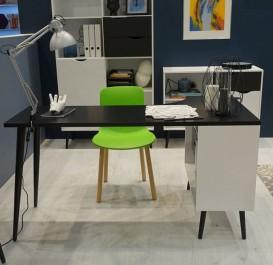 Narożne biurko z białą półką na nogach z litego drewna dębowego