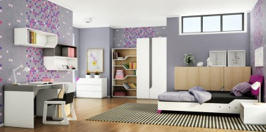Biały regał z półkami o nieregularnym kształcie oraz wiszące półki i biurko z kontenerkiem