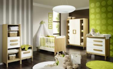 Meble dziecięce w stylu skandynawskim w kolorze kremowym z drewnianym dekorem