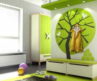 Kremowe skrzynie na obuwie oraz dwudrzwiowa szafa z półkami i pojemną szufladą