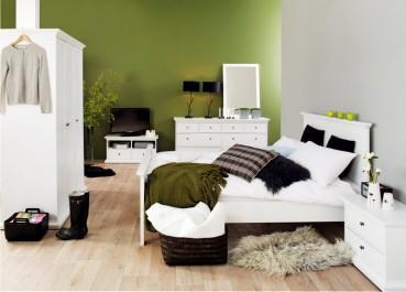 Komplet białych mebli do sypialni w stylu prowansalskim
