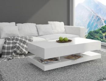 Biały stolik z półką z wysokopołyskowej płyty akrylowej w nowoczesnym salonie z białym wypoczynkiem