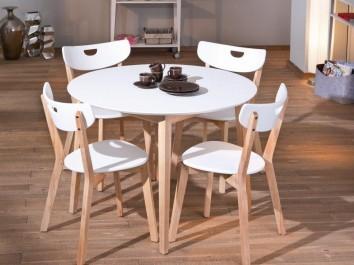 Krzesła bez podłokietników na drewnianym stelażu w stylu skandynawskim