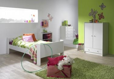 Zestaw mebli dziecięcych w kolorze białym o lakierowanej powierzchni