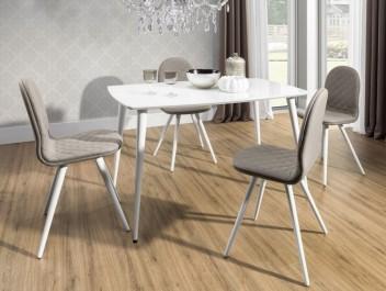 Pikowane krzesła bez podłokietników i stół z blatem ze szkła hartowanego