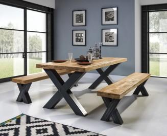 Nierozkładany stół z drewnianym olejowanym blatem i ławki w stylu industrialnym