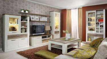 Meble salonowe w stylu prowansalskim z dodatkiem dekoru drewnianego w kolorze dębu antycznego