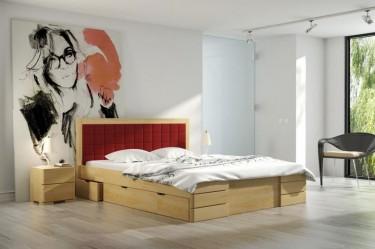 Wysokie łóżko z tapicerowanym wezgłowiem i pojemnymi szufladami oraz szafki nocne z litego drewna sosnowego
