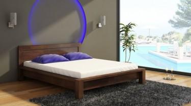 Łóżko sypialniane z wysokim wezgłowiem z naturalnego drewna bukowego