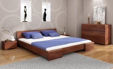 Komplet mebli sypialnianych z niskim łóżkiem i trzyszufladową komodą z litego drewna sosnowego