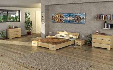 Sosnowe łóżko z wysokim wezgłowiem oraz szafki nocne i komody z szufladami
