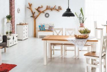 Komplet mebli drewnianych w zestawieniu kolorów sosny bielonej i miodowej