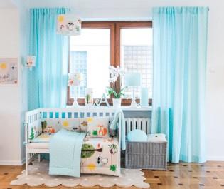 Kolorowe lampy i tekstylia z bajkowymi postaciami do pokoju dziecięcego