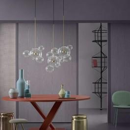 Lampa wisząca ze szklanymi kulami przypominającymi bańki mydlane