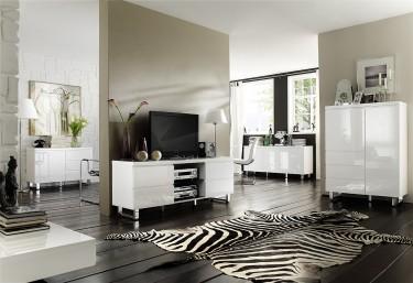 Nowoczesne meble salonowe w wysokim połysku na chromowanych płozach