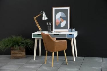 Skandynawskie biurko z kolorowymi szufladami oraz tapicerowane ekoskórą krzesło
