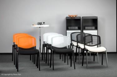 Krzesła konferencyjne – meble proste i użyteczne