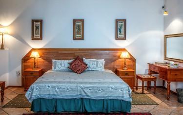 Lampki nocne – jak dobrze wybrać lampkę do łóżka i stolika nocnego