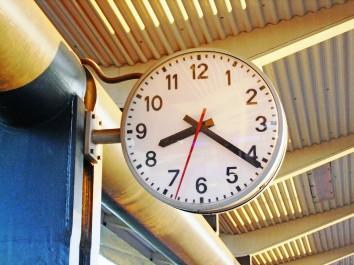 Jaki zegar ścienny do kuchni wybrać?