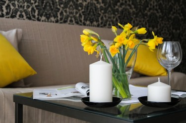 Dekoracje do salonu — ciekawe rozwiązania do każdego domu