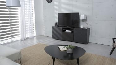 Jak dopasować komodę pod telewizor do aranżacji w salonie?