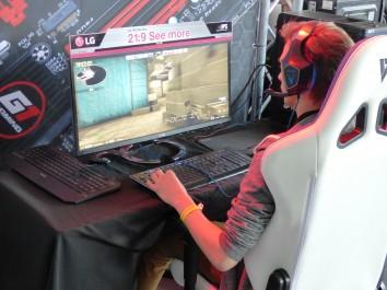 Jak wybrać idealny fotel gamingowy?