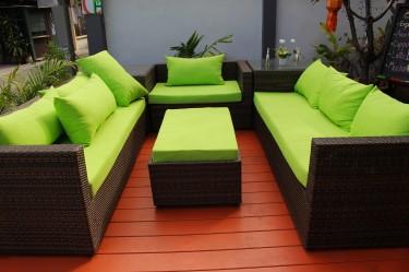Jak wybrać meble ogrodowe na taras?