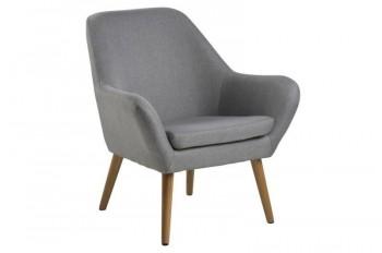 Tapicerowany fotel na drewnianych nogach Astro
