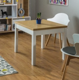 Fornirowany stół kwadratowy na drewnianych nogach Kent I