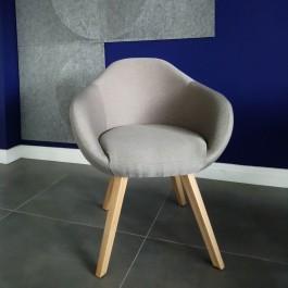 Tapicerowany fotel na dębowych nogach Tulo 4N