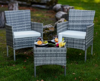 Zestaw mebli ogrodowych ze stolikiem Sano