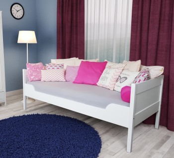 Drewniane łóżko z oparciem Julia