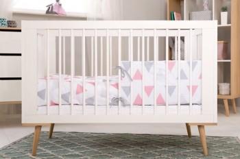 Białe łóżeczko niemowlęce na wysokich nóżkach Sofie 120x60