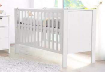 Białe łóżeczko dziecięce z barierką ochronną Leon