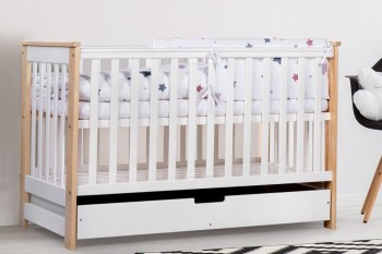 Łóżeczko niemowlęce z szufladą i barierką ochronną Iwo 120x60 biały/sosna