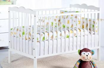 Białe łóżeczko niemowlęce na nóżkach Radek III 120x60