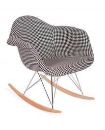 Tapicerowany fotel bujany Plush Rar pepitka czarno biała
