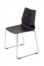 Krzesło na metalowych płozach Shark